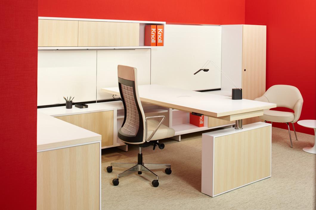 4_Knoll-NeoCon-2015-16-reff-profiles-height-adjustable-desk